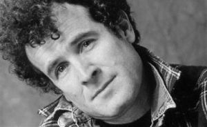 Johnny Clegg, divine musician whose music makes me sooo happy!