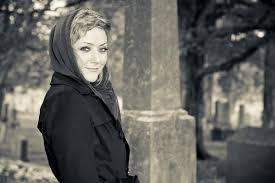 Singer/songwriter Angel Snow