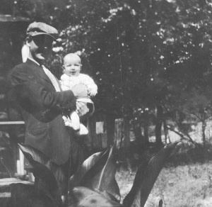 """""""Rothie"""" as his Allen family called Daddy, w/Hodge around the time his mother died in 1935."""